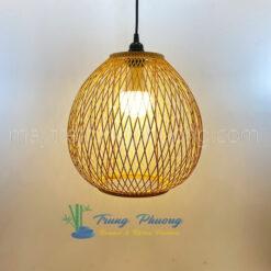 đèn tre trang trí mẫu đèn quả lê công chéo