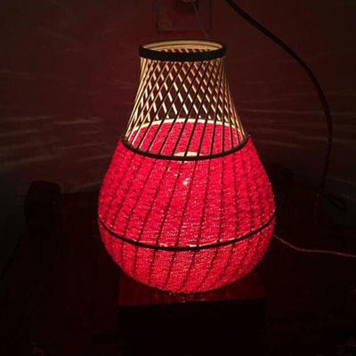 Đèn để bàn hạt cườm HCM
