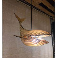 Đèn gỗ hình con cá voi