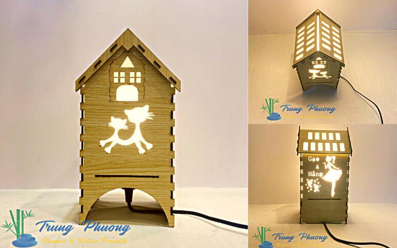 Mẫu đèn gỗ để bàn phong cách dễ thương, mềm mại